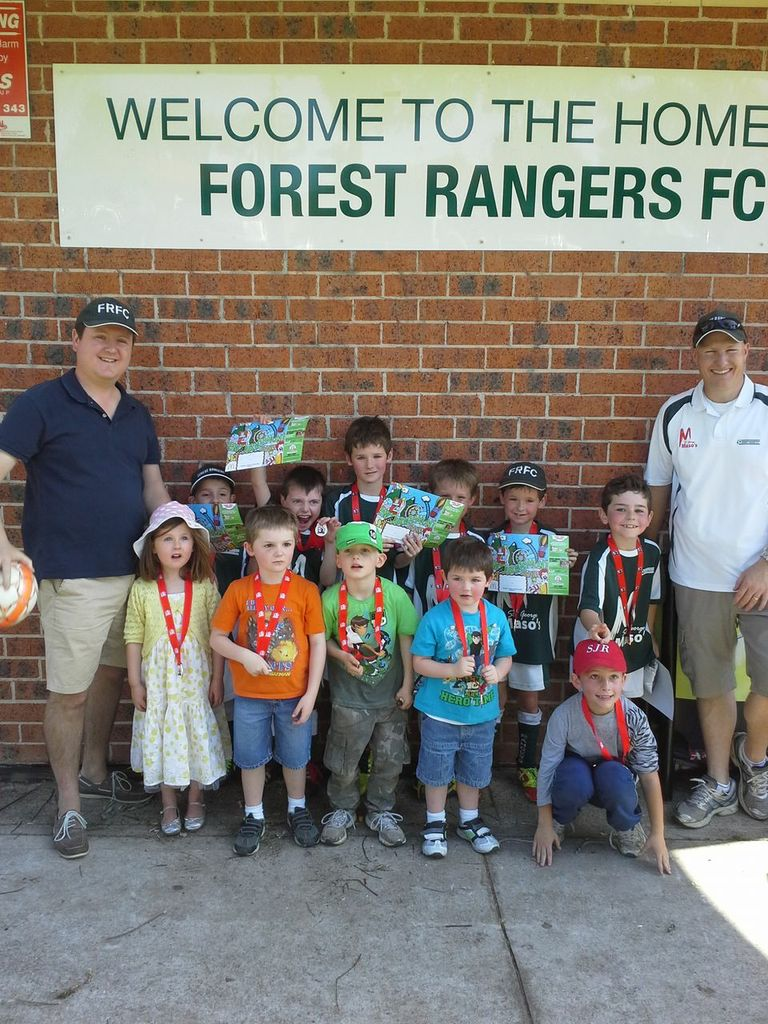 U7 Fox 2 (and their supporters!) receiving their SGFA medals.